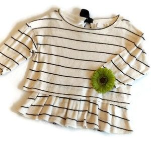 Pullover Sweater w/Ruffled bottom edge sz.M #349